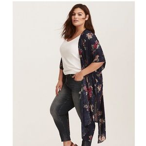 NWT Torrid Blue Floral Kimono With Side Slits